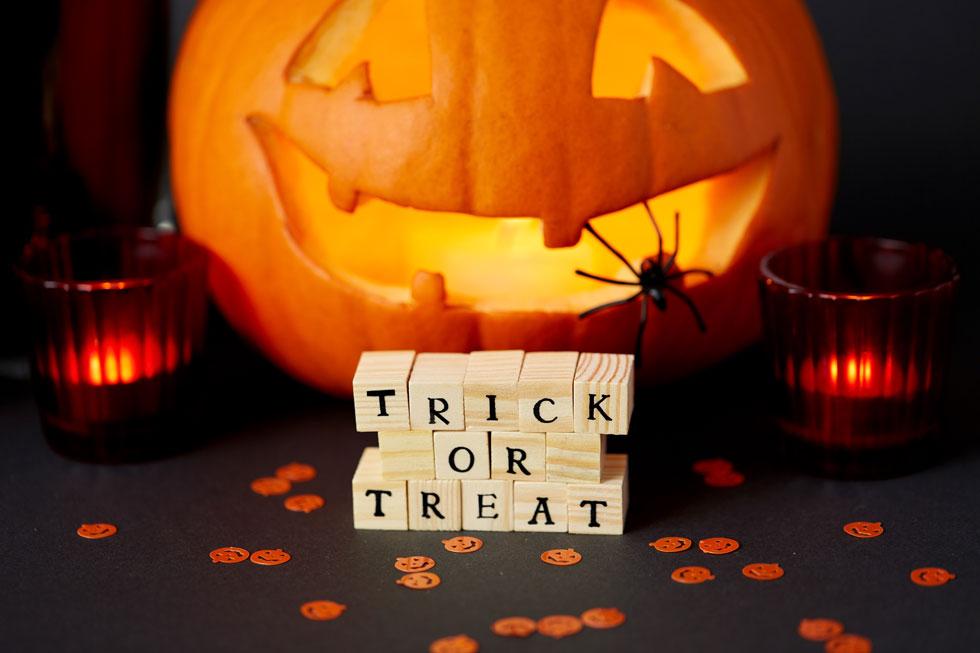 Pourquoi dit-on « trick or treat » pour Halloween ?